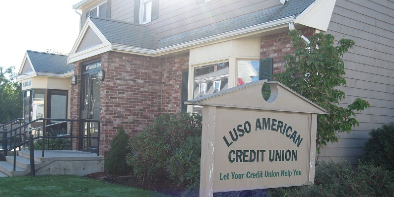 Luso American Credit Union Bonuses: $25, $100 Checking, Referral Promotions (Massachusetts only)