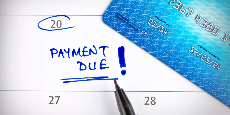 Pros and Cons of Changing Your Credit Card Payment Deadline